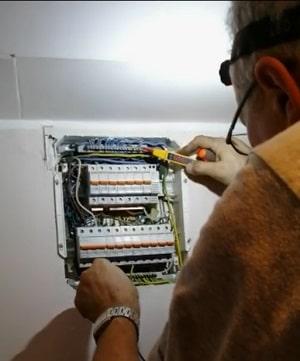Majstor elektricar strujna instalacija cena